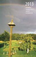 2013 m. stalinis kalendorius. Medžio skulptūra